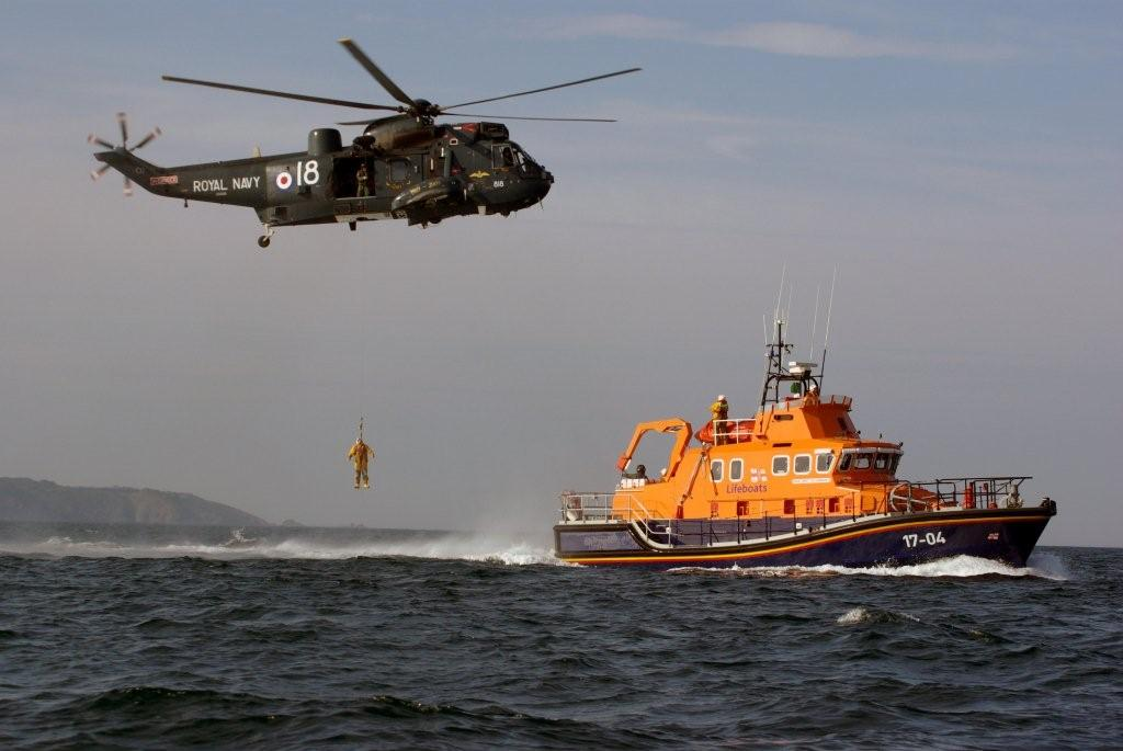 A Lifeboatman being lowered to the deck of Spirit of Guernsey by Royal Navy Helicopter 05-06-09 Pic by Tony Rive (3)