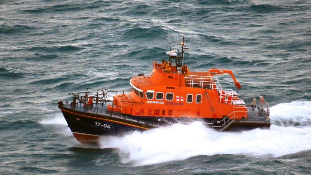Spirit of Guernsey heads back to St Peter Port with one Male Casualty 14-11-14 Pic by Tony Rive (7)