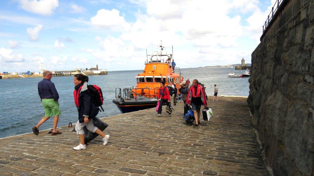 4 of the 5 Crew dis-embarking the Lifeboat Daniel L Gibson on the Old Lifeboat Slip 22-08-14 Pic by Tony Rive (2).jpg