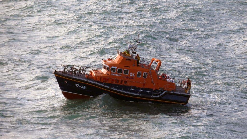 Cliff Rescue of two men from Cliff''s on Guernsey's south coast 10-08-14 Pic by Tony Rive (12).jpg