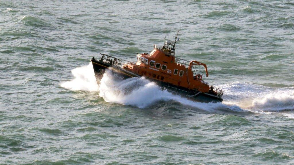 Cliff Rescue of two men from Cliff''s on Guernsey's south coast 10-08-14 Pic by Tony Rive (19).jpg