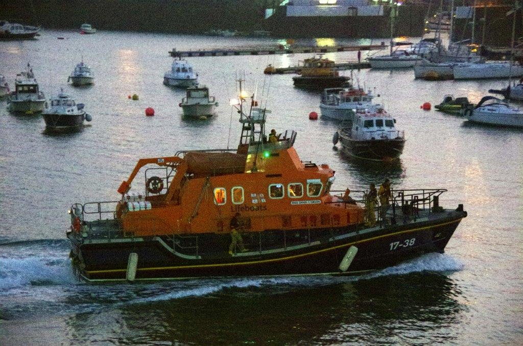 Daniel L Gibson returning to St Peter Port after Shout (4) 15-09-14 Pic by Tony Rive (1).jpg