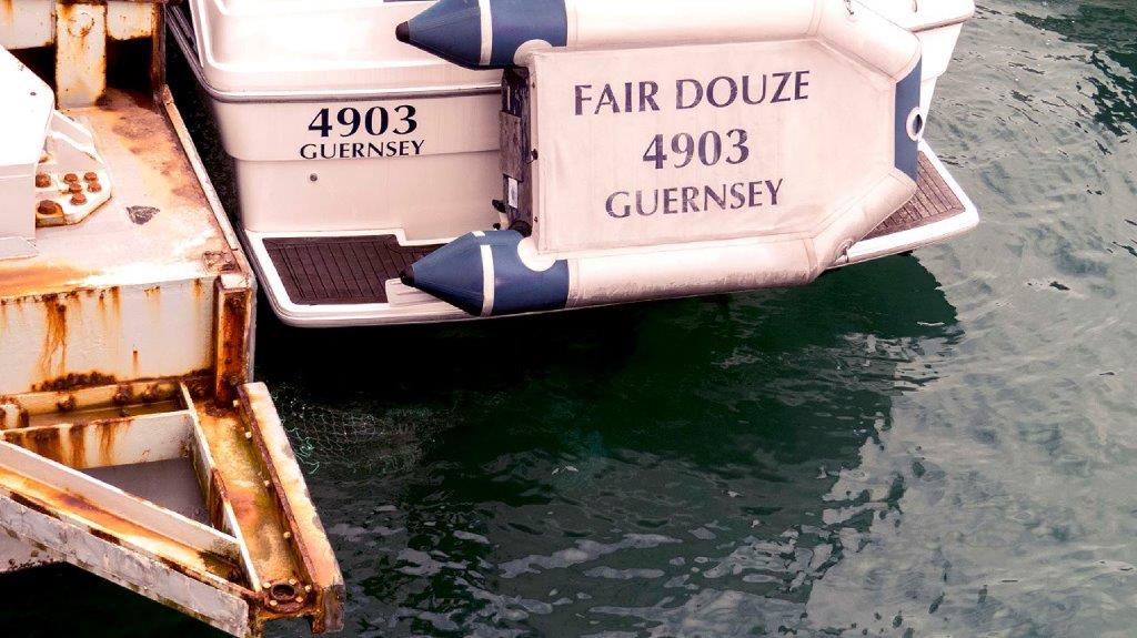 Green Fishing Net floats on the Surface behing motor Cruiser Fair Douze 10-07-16 Pic by Tony Rive (1)