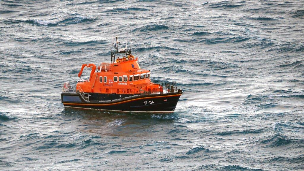 Lifeboat Spirit of Guernsey off St Martin's Point 14-11-14 Pic by Tony Rive.jpg