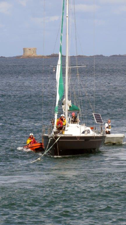 The Lifeboat Y boat moning the French yacht Douze (12) to the Old Lifeboat slip 22-08-14 Pic by Tony Rive (1).jpg