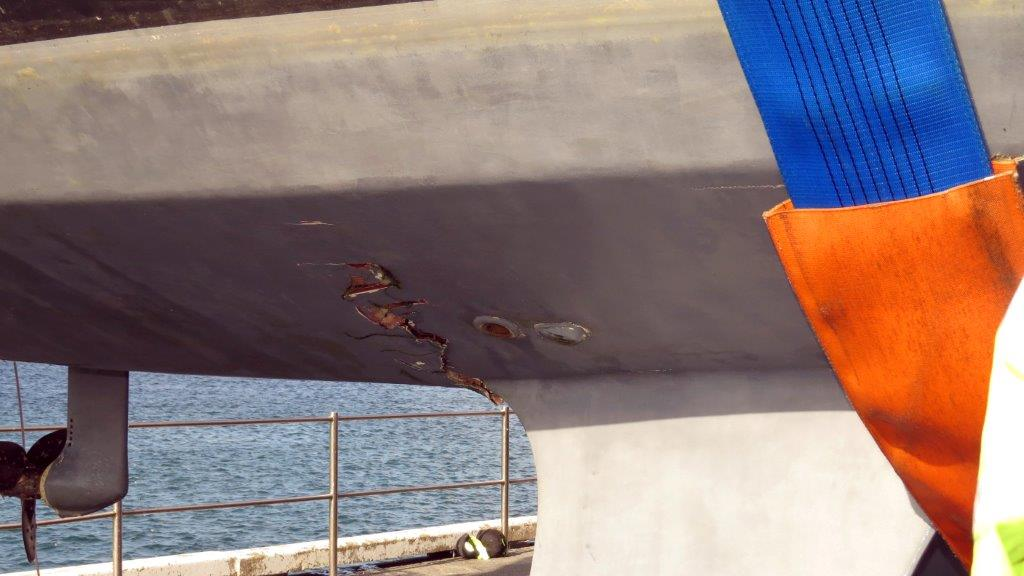 The severly damaged hull around the starboard Bilge Keel of the French yacht Douze (13) 22-08-14 Pic by Tony Rive (1).jpg