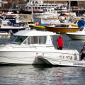 A Marina Attendent waiting to put Thiody on Boatworks + slip 29-08-14 Pic by Tony Rive.jpg