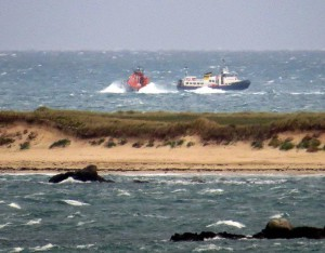Lifeboat Spirit of Guernsey arriving in Big Russel to take tow from Bon Mairn de Serk 24-10-15 Pic by Tony Rive (2)